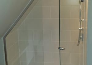 18th Century Cottage shower screen